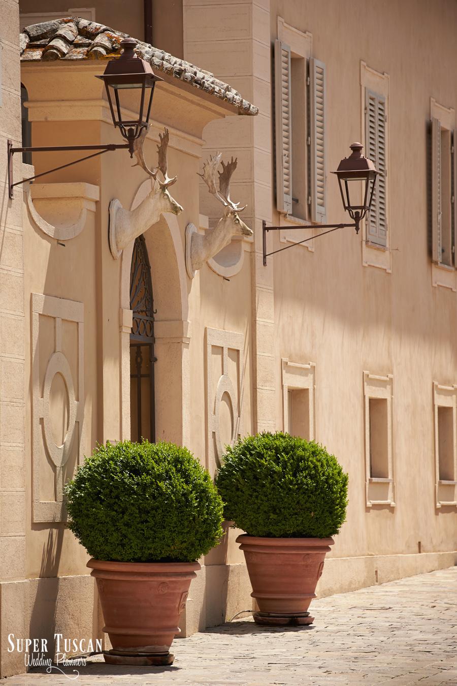 6wedding tuscany ferragamo villa