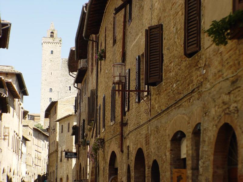 02Wedding planners in San Gimignano Tuscany