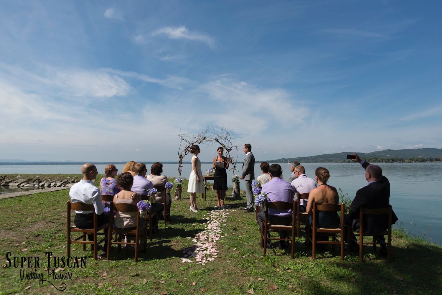 25Wedding on Trasimeno Lake - Umbria