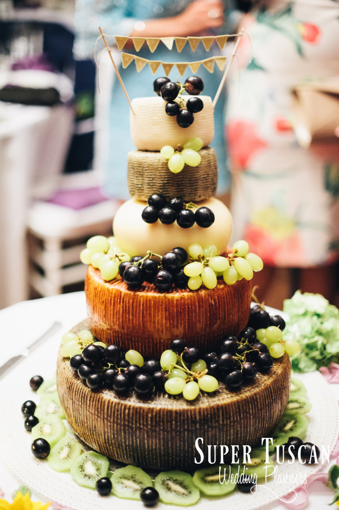 wedding in Tuscany cake idea
