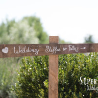 07Country wedding in tuscany - string lights