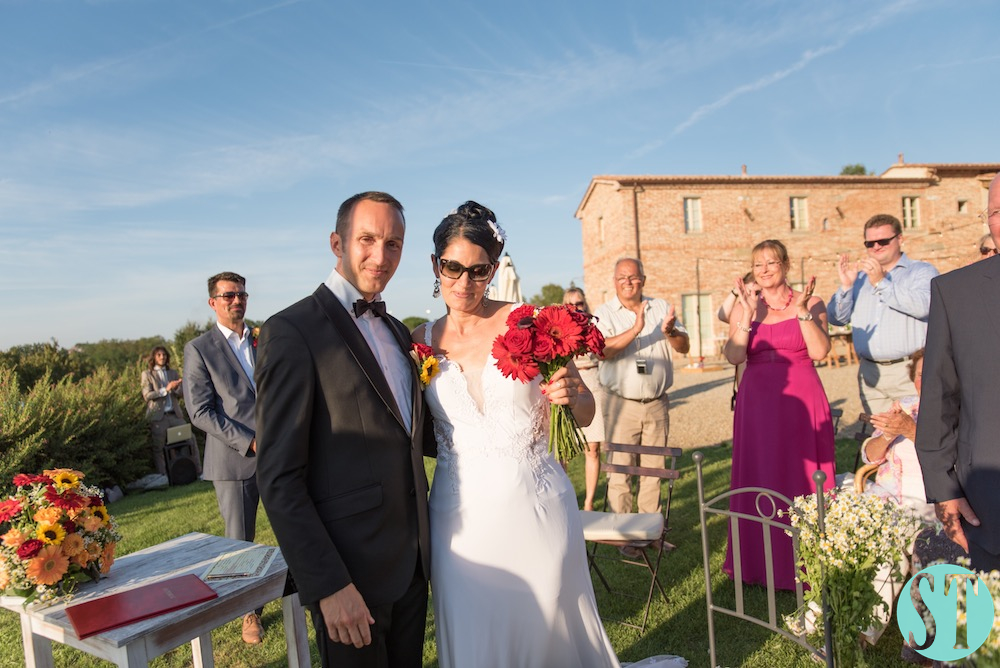 27Country wedding in tuscany - string lights