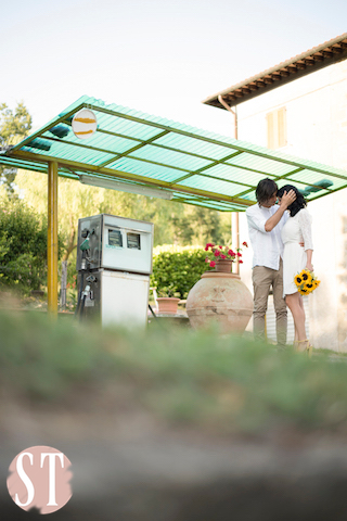 07Romantic engagement in Tuscany