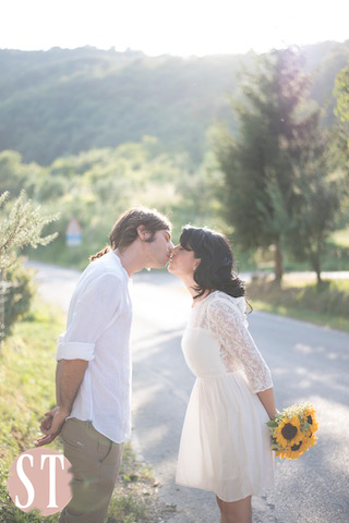 10Romantic engagement in Tuscany