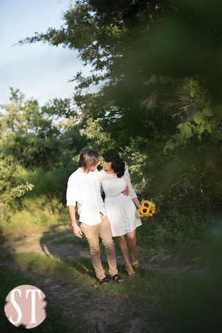 12Romantic engagement in Tuscany