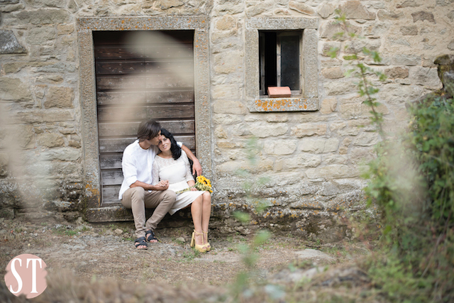 15Romantic engagement in Tuscany