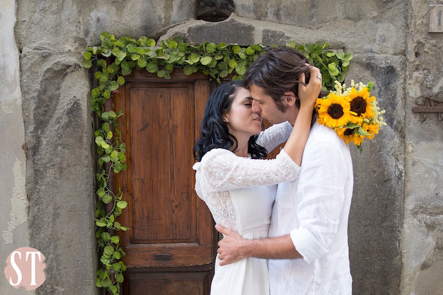 23Romantic engagement in Tuscany