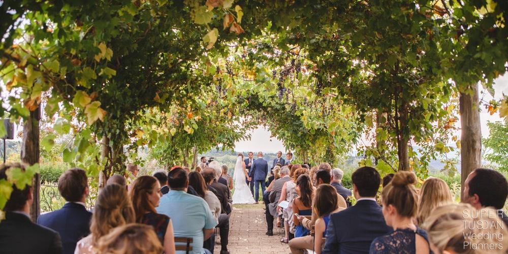 wedding in tuscan vineyards