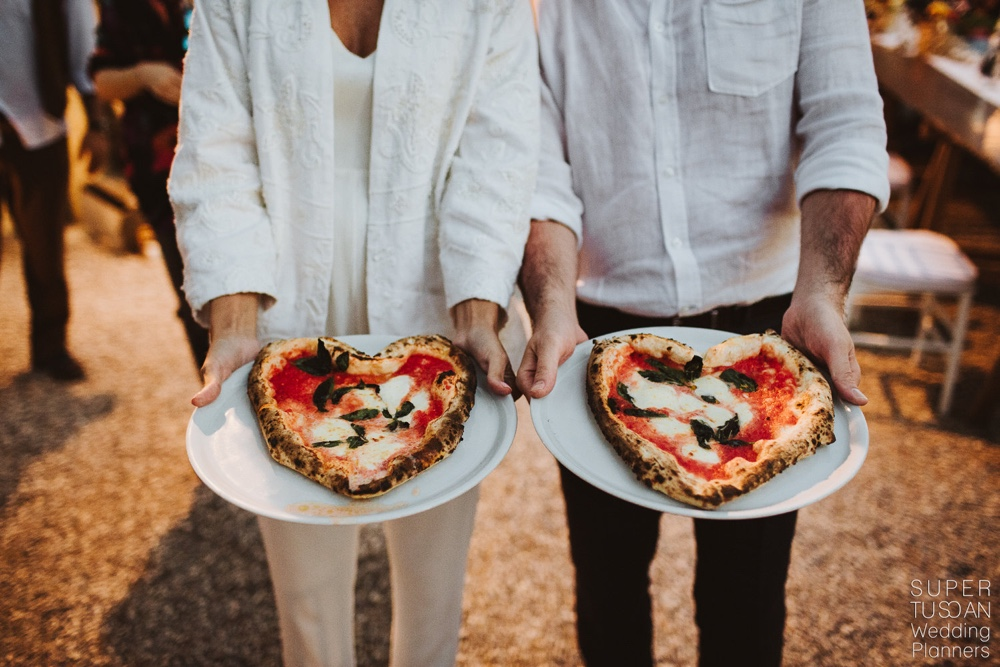16 Pizza Party Italy destination wedding